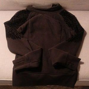 Lululemon Womens size 4 sweatshirt